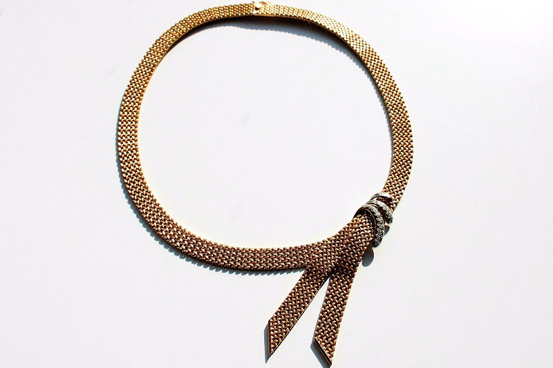 scarf collier