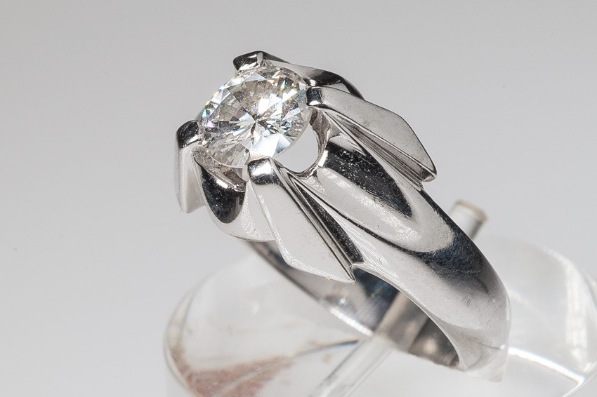 14K WG diamond solitaire ring from 1960, so called Tiffany model