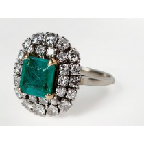Emerald and diamond coctail ring